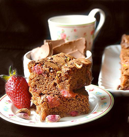 Brownies au Chocolat, pistache et fraise, parfumés au vinaigre balsamique de Modène IGP