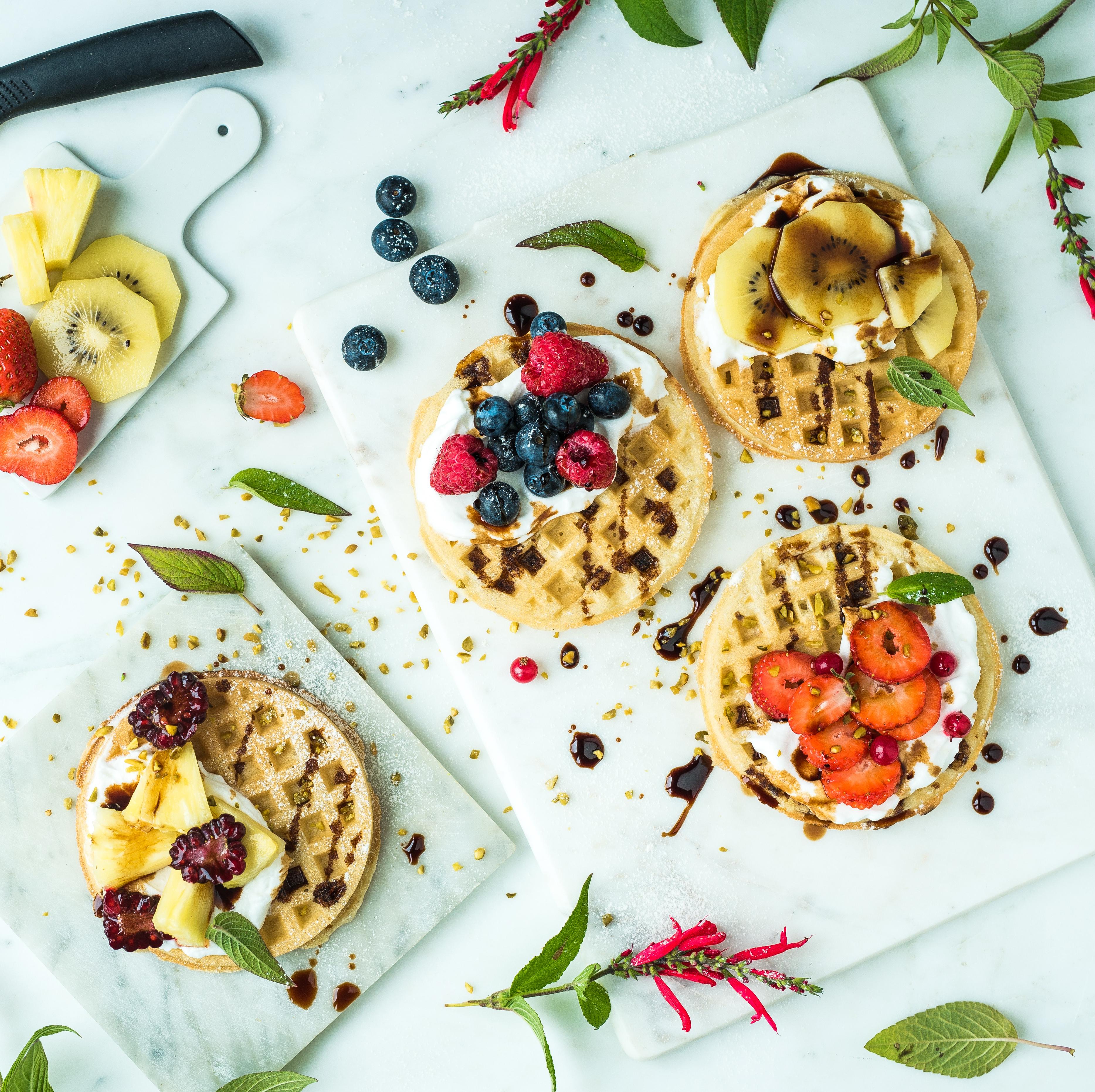 Gaufres, chantilly à la vanille, fruits frais et Vinaigre Balsamique de Modène IGP