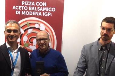 ACETO BALSAMICO DI MODENA IGP E PIZZA