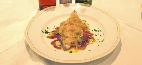 Sgombro con colatura di alici, cipolla e Aceto Balsamico di Modena IGP