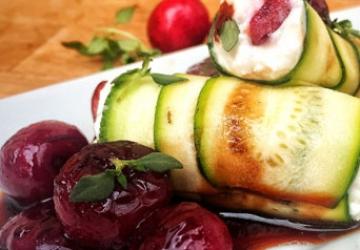 Involtini di zucchine con ciliegie e Aceto Balsamico di Modena IGP