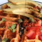Herzhafte Frühstückswaffeln mit Aceto Balsamico di Modena g.g.A. Topping