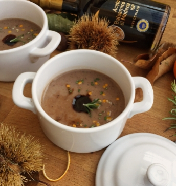 Chestnut soup flavoured with tangerine and Balsamic Vinegar of Modena PGI