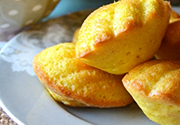 Wholesome Madeleines with 3 spices and Aceto Balsamico di Modena IGP