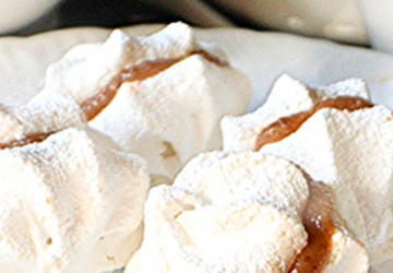 Chestnut cream meringues with Balsamic Vinegar of Modena PGI