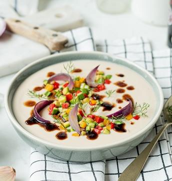 Weiße Bohnensuppe mit Fenchel und Sommergemüse