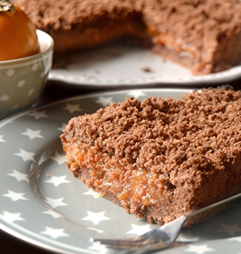 Torta crumble di cachi al cacao e Aceto Balsamico di Modena IGP