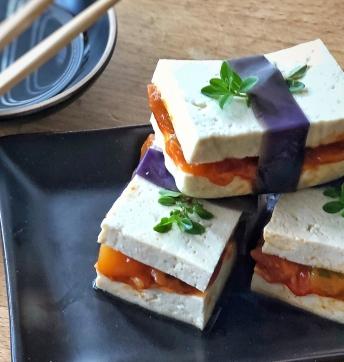 Sushi sandwich di tofu e melanzane all'Aceto Balsamico di Modena IGP
