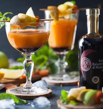 Cocktail vitaminé pommes, poires, carottes et Vinaigre Balsamique de Modène IGP