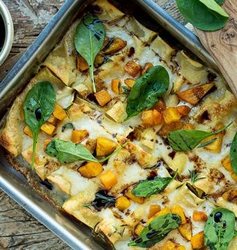 Cannelloni ripieni di ricotta, spinaci e funghi con dadolata di zucca