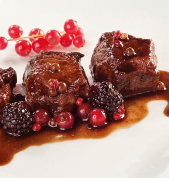 Deer filet with mixed berries and Aged Aceto Balsamico di Modena PGI